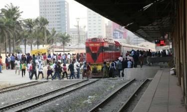 Mulher morre colhida por comboio