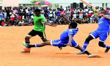 Futebol de salão mobiliza Rangel