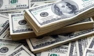 Confiscados 85 mil dólares no Aeroporto 4 de Fevereiro