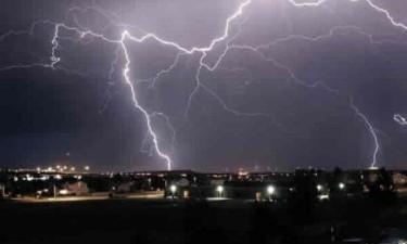Descarga eléctrica mata cinco pessoas da mesma família