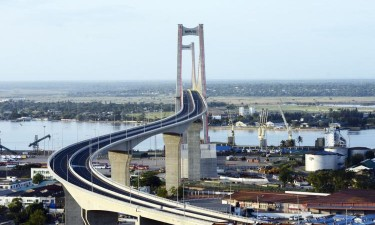 Maior ponte suspensa de África inaugurada amanhã