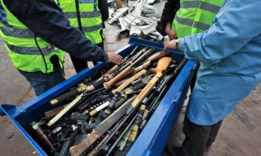 Mais de 100 detidos por posse de armas e explosivos