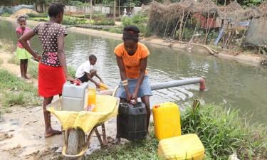 Quase metade da população sem água potável