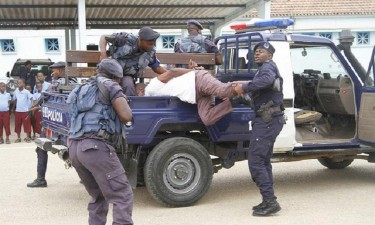 Agentes da polícia acusados de homicídio