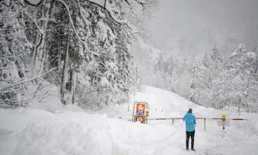 Queda de neve faz cinco mortos e dois desaparecidos