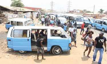 Taxistas 'suspendem' presidente