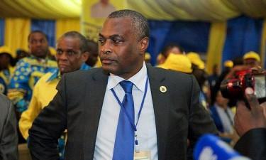 Abel Chivukuvuku demitido da CASA-CE