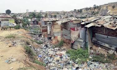 Metade da população vive na pobreza