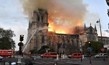 Incêndio consumiu dois terços da catedral de Notre Dame