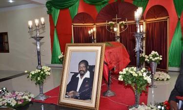 Funeral de Savimbi incendeia política