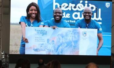 'Heróis de Azul' apresentado em Luanda