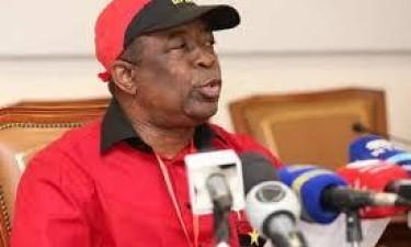 Paulo Pombolo novo secretário-geral do MPLA