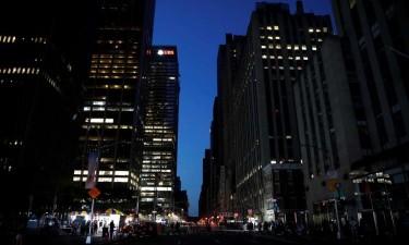 Apagão deixa Nova Iorque às escuras