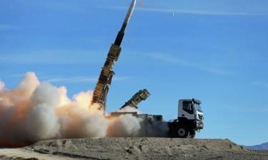 Irão testa com êxito míssil balístico