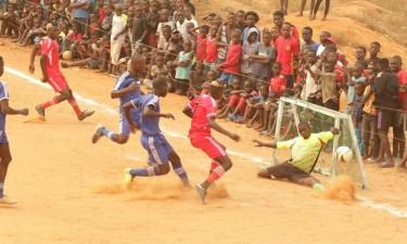Jovens Unidos organizam torneio de futebol salão