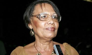 Luísa Fançony distinguida em recital de poesia