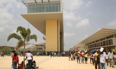 Universidades públicas vão ter autocarros para estudantes