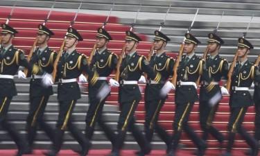 Exército chinês muda tropas em Macau e em Hong Kong