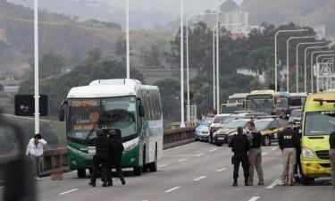 Polícia abate sequestrador de autocarro