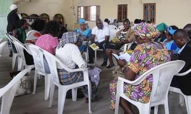 Alfabetizadores recebem subsídios em atraso