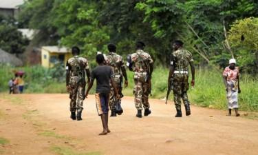 Ataque mata dez pessoas em aldeia e incendeia sede da Frelimo