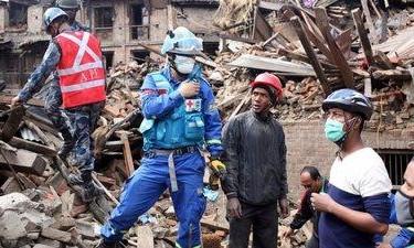 Novo sismo faz 30 feridos