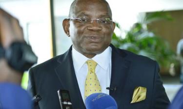 Angola prepara emissão de documentos no estrangeiro