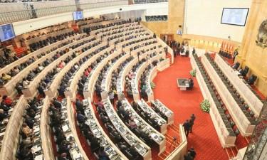 Inicia Reunião Solene no Parlamento