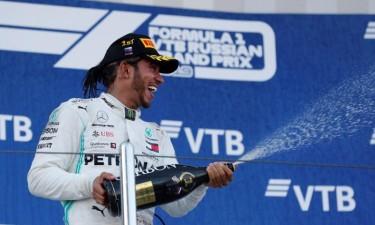 Lewis Hamilton pode festejar sexto título no domingo