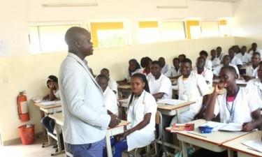 Mais de sete mil professores não cadastrados vão ser desactivados