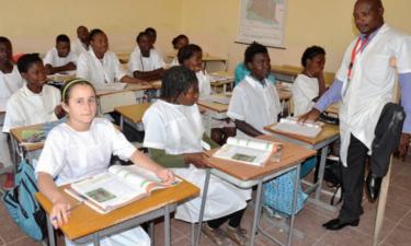 Governo vai obrigar professores a aumentarem grau académico