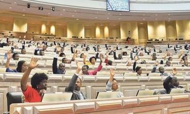 Parlamento aprova lei de branqueamento de capitais