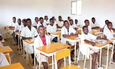 Perto de 450 mil crianças poderão ficar sem aulas em 2020