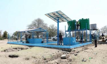 Vítimas da seca beneficiam de água potável