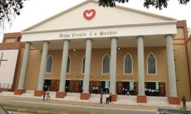 Igreja Universal pode ver 'suspensas' actividades em Angola