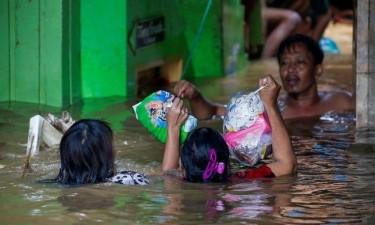 Inundações na Indonésia já causaram 43 mortos