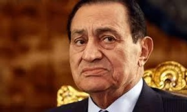 Morreu Hosni Mubarak, ex-presidente do Egipto