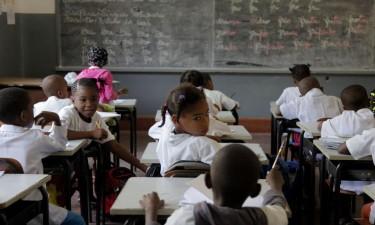 Aulas no ensino geral arrancaram hoje