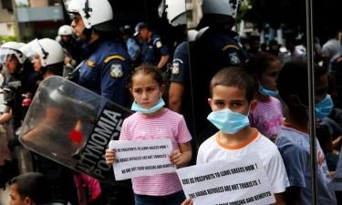 Desalojamento de mais de 11 mil refugiados gera protesto