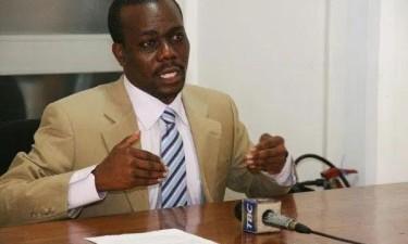 Líder da oposição proibido de fazer declarações públicas
