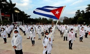 Moçambique recebe 60 médicos cubanos