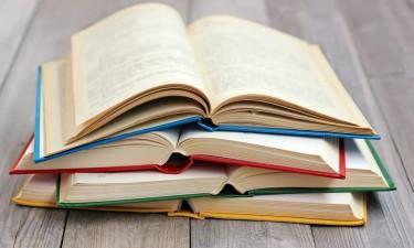 Académico João Saraiva lança quatro livros