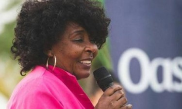 Kanguimbu Ananaz representa Angola em palestras sobre literatura