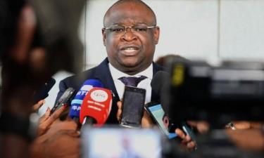 Ministro nega censura nos órgãos de informação públicos