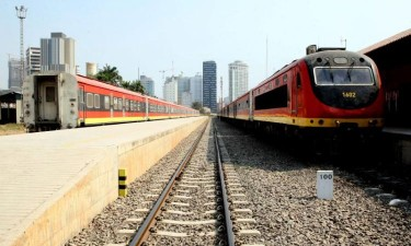 Roubo de 600 parafusos obriga a suspensão de comboios
