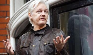 Justiça britânica rejeita extradição de Assange para os EUA