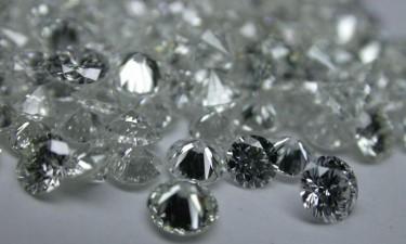 Serra-leonês detido com 123 diamantes