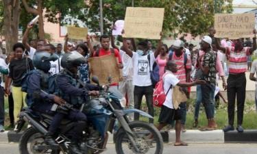 Estudantes denunciam detenções em tentativa de manifestação
