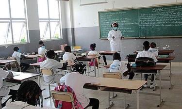 MED e MINFIN determinam taxas e emolumentos para escolas do secundário