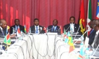 Chefes de Estado reúnem-se hoje em Luanda